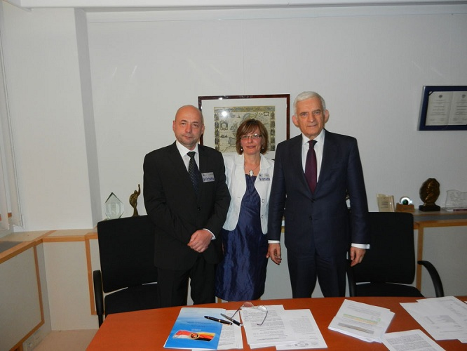 Prof. Jerzy Buzek wird Schirmherr des Projekts